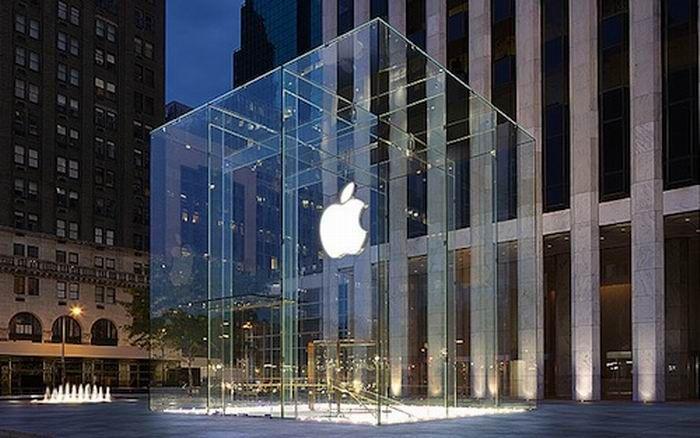 WinNetNews.com - Awal pekan ini, Apple memastikan akan memperbarui sejumlah lini produk untuk kebutuhan komputasi. Salah satu perangkat yang sempat diungkap oleh perusahaan asal Cupertino adalah kehadiran iMac Pro.Sayangnya, perusahaan itu belum mengungkap spesifikasi dari desktop yang ditujukan untuk