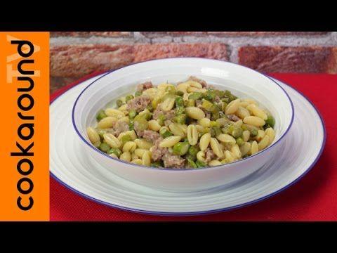 Gnocchetti sardi salsiccia e asparagi | Video veloce