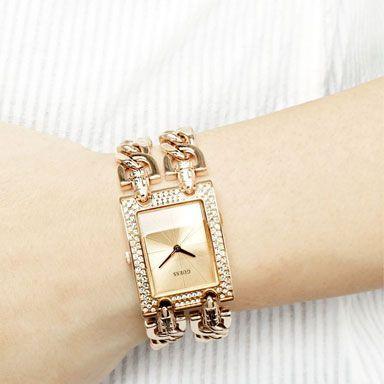 Uurwerk Quartz   Garantie 24 maanden   Materiaal Band Edelstaal Rose Goud   Materiaal Kast Edelstaal Rose Goud   Waterbestendig Nee   Kastvorm Rechthoek   Dames / Heren Guess Dames Horloge