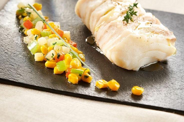 Recette de Dos de cabillaud à la vapeur et ratatouille de maïs : la recette facile
