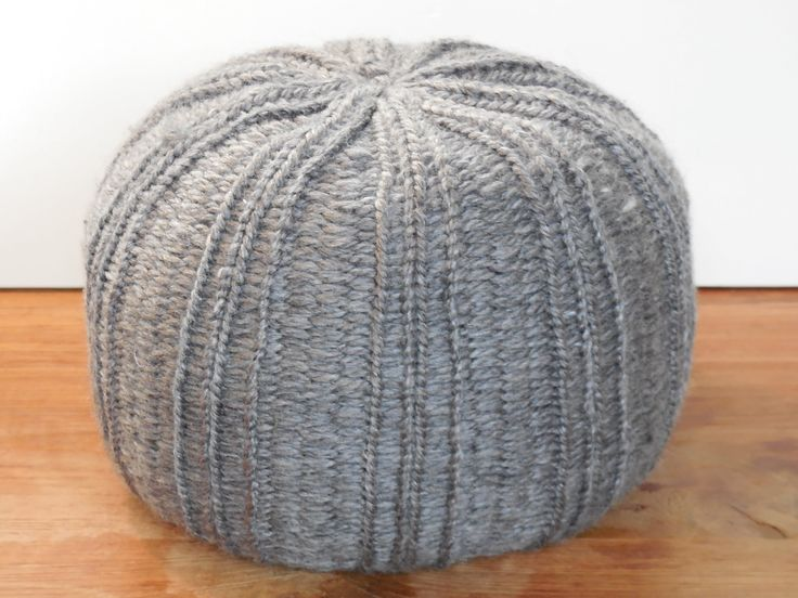 How to make a pouf on a knitting loom (41 pegs). Dutch version with english subtitles. Beginner can follow!