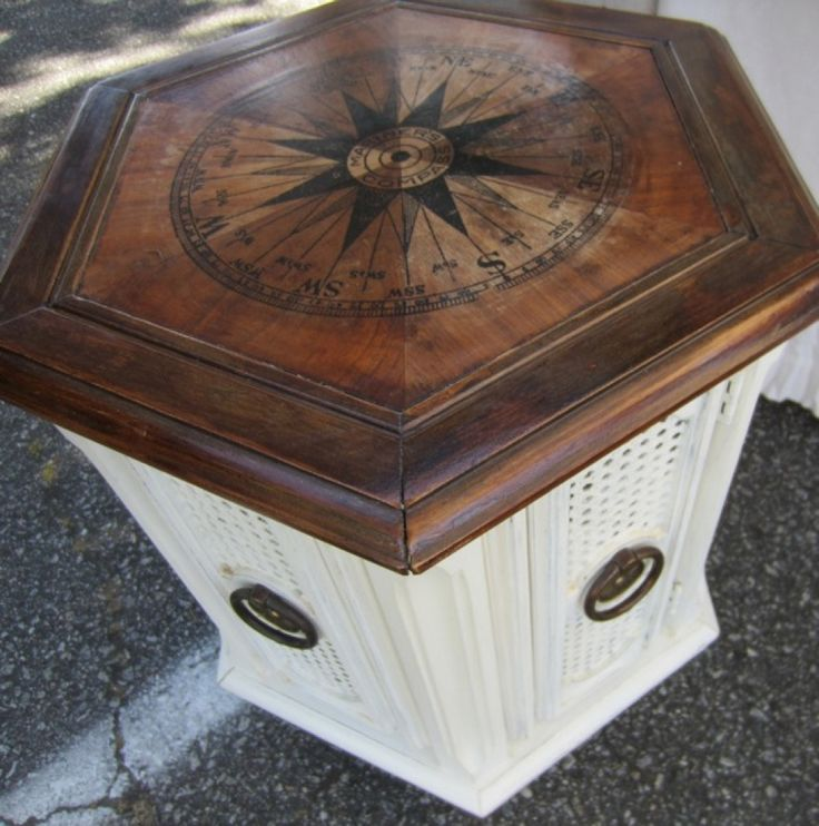 Mariner's Compass Table Crafts/DIY. Pinterest