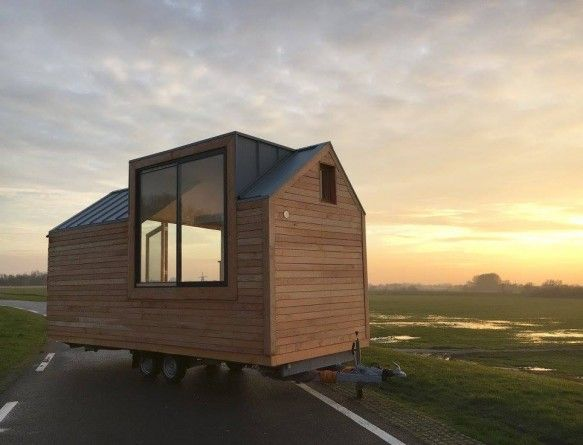 A Tiny House that Doesn't Look Like it Belongs in 1890s Kansas - LifeEdited