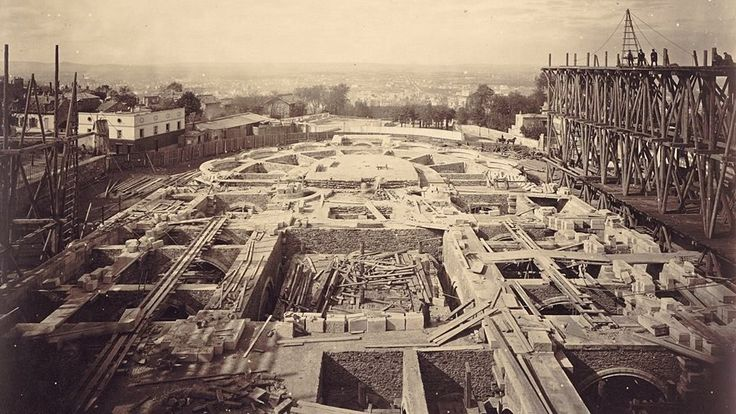 Construction du Sacré-cœur le 7 mai 1882 Photo Louis-Emile Durandelle (1839-1917)