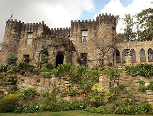 Camelot Castle (Adelaide Hills, South Australia). Seriously? They have something this cool in Australia?! I wanna see it!