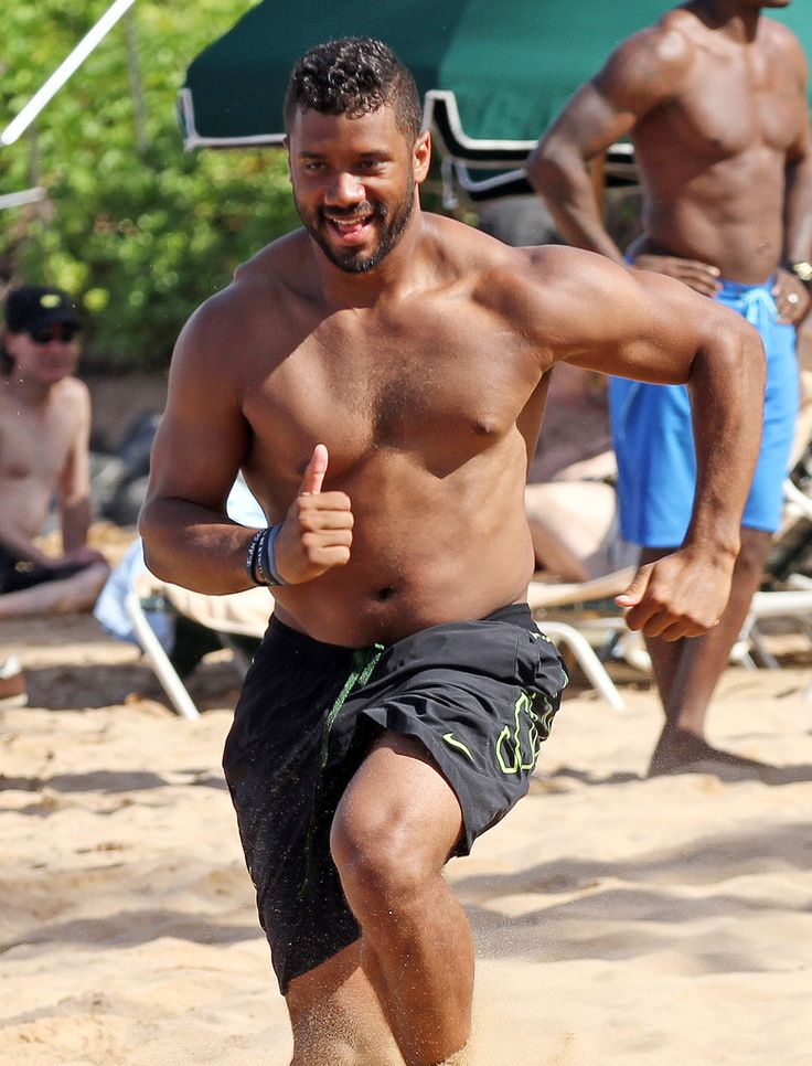 Getting ready for some football, Russell Wilson style! (Via POPSUGAR; source: FameFlynet)