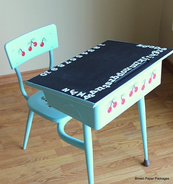 30 best images about old school desk diy on pinterest chalkboard desk entry ways and metal. Black Bedroom Furniture Sets. Home Design Ideas