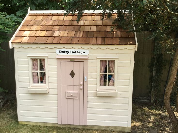 This extremely sweet Cottage was installed just last week, to a very lucky little girl!
