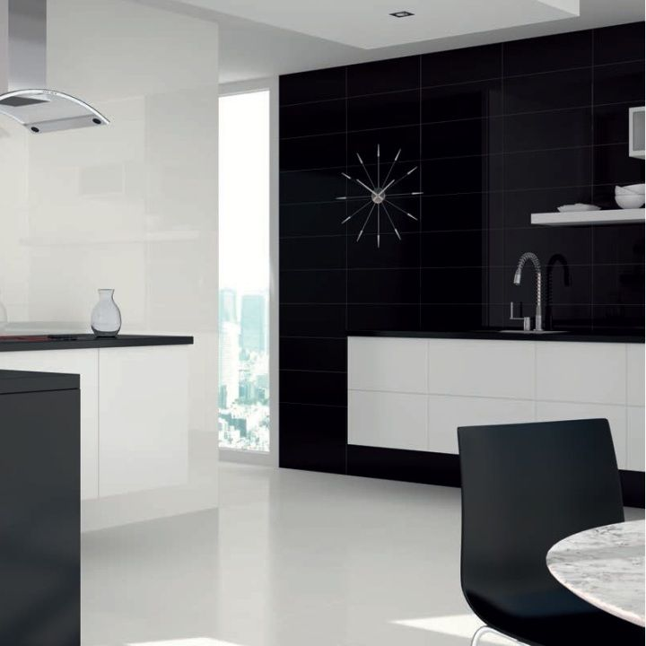 These black gloss wall tiles would make ideal kitchen splashback tiles or stylish black bathroom tiles. This range of black and white wall tiles for bathrooms and kitchens can be used individually or mixed together to create tile patterns.