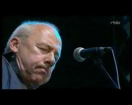Mark Knopfler - Brothers in arms [Berlin 2007] | https://youtu.be/vBadAVsdixk?list=PLOH77NdWbWhzy_TTU0zuFYkAQ3VrfQDxZ