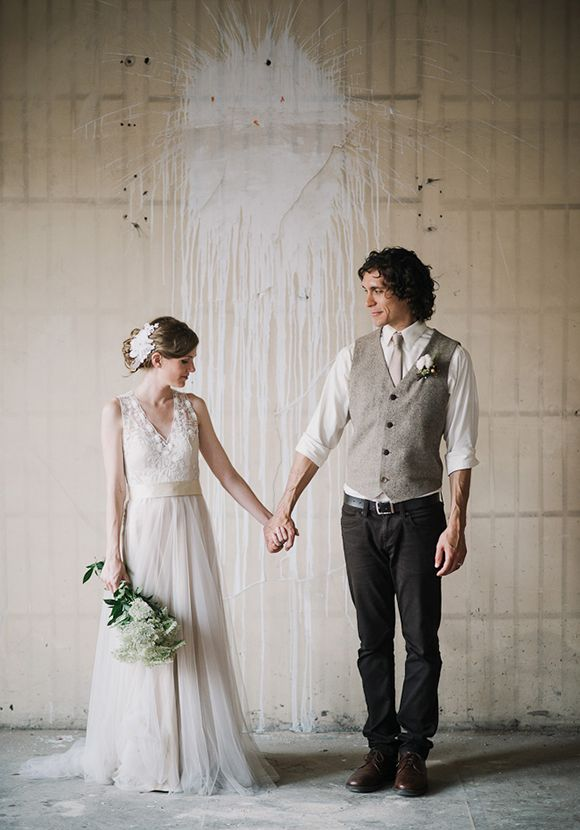 Bride wears the Onyx dress by Catherine Deane. Images via magnoliarouge.com and jacandheath.com
