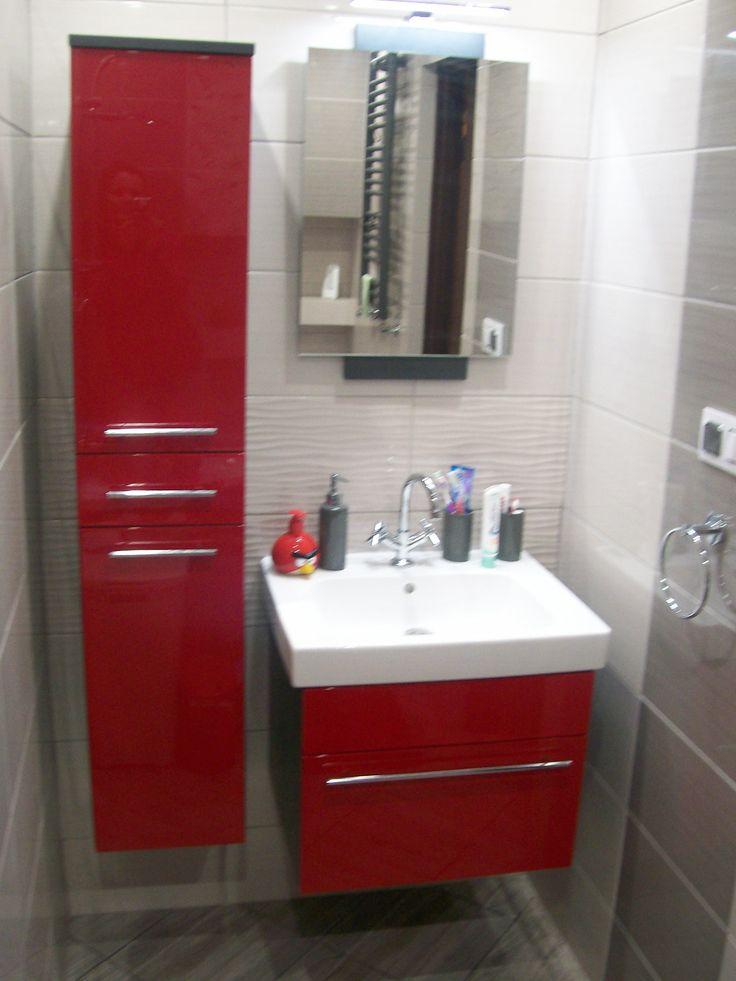 Czerwony to odważny kolor, szczególnie przy wyborze mebli łazienkowych ale odpowiednio dobrane odcienie ożywią nawet małe wnętrze.