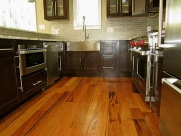 Exceptional Love The Tiger Wood Floors With Dark Cabinets