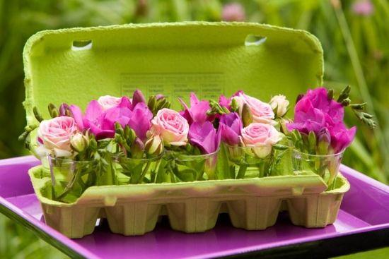 Mini-Vase Blümchen Strauß Eierkarton Basteln Frühling Stimmung