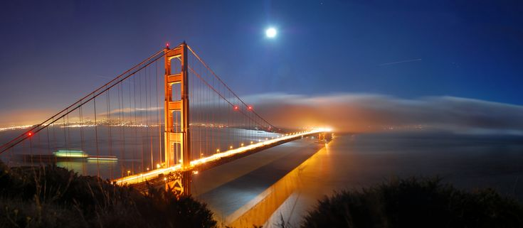 Golden Gate & Full Moon, Panorama - Tyler Westcott