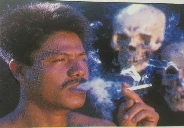Saya bukan seorang perokok. Tepatnya sejak menikah pada tahun 2007, sudah tidak begitu tertarik lagi pada rokok. Merokok pun, kalau saya mau. Saya telah berkuasa penuh pada diri untuk bebas dari rokok. Namun saya tidak lupa atas jasa baik rokok. Rokok, bagi saya pribadi, adalah medium merakyat, alat berkawan yang mudah dan cepat. Terlebih bagi …