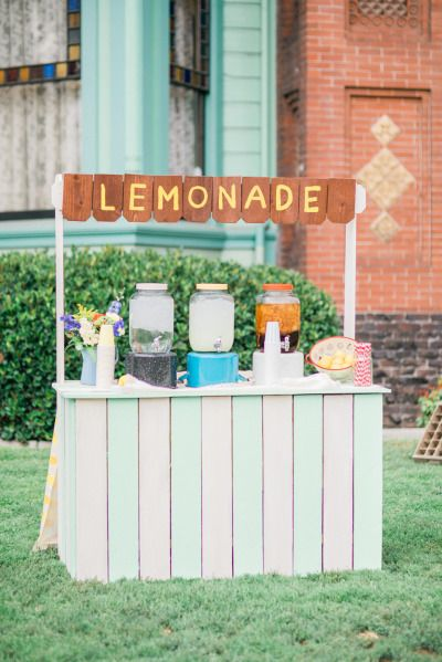 Lemonade stand: http://www.stylemepretty.com/2015/01/13/whimsical-heritage-square-museum-wedding/ | Photography: Honey Honey - http://www.hoooney.com/