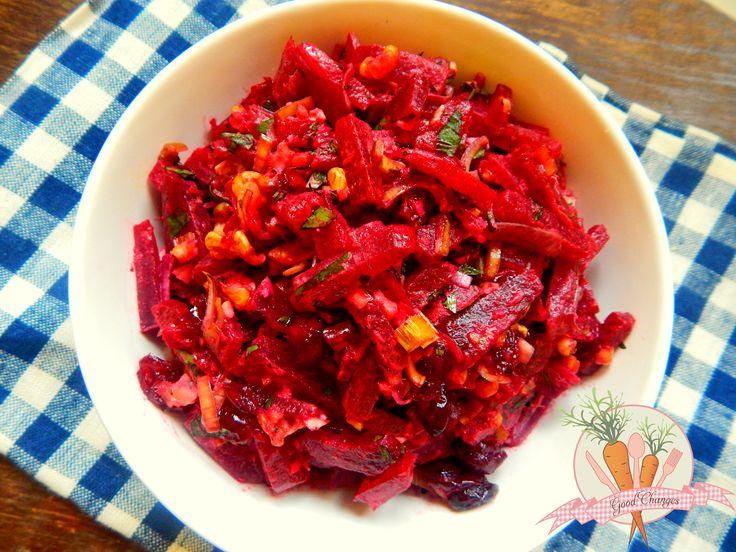 Sałatka z buraków z orzechami i żurawiną. #vegan #beetroot #nuts #cranberry #salad