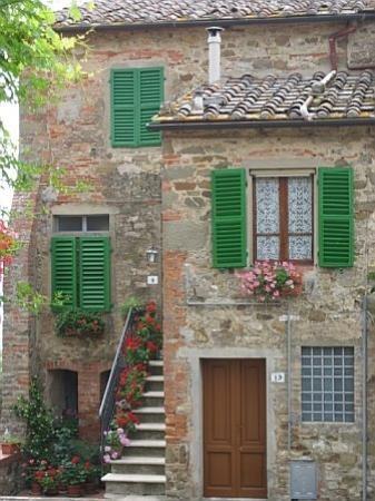 Castelletto di Montebenichi: A house in Montebenichi