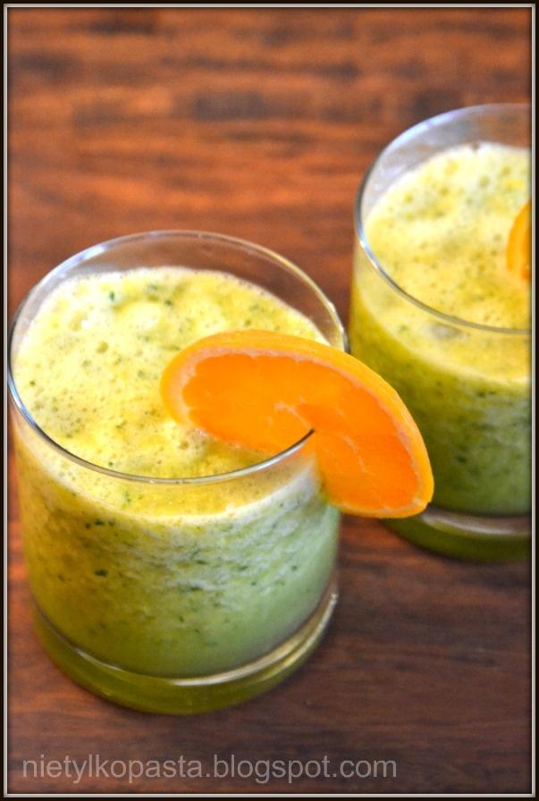 Koktajl - pomarańcza z pietruszką