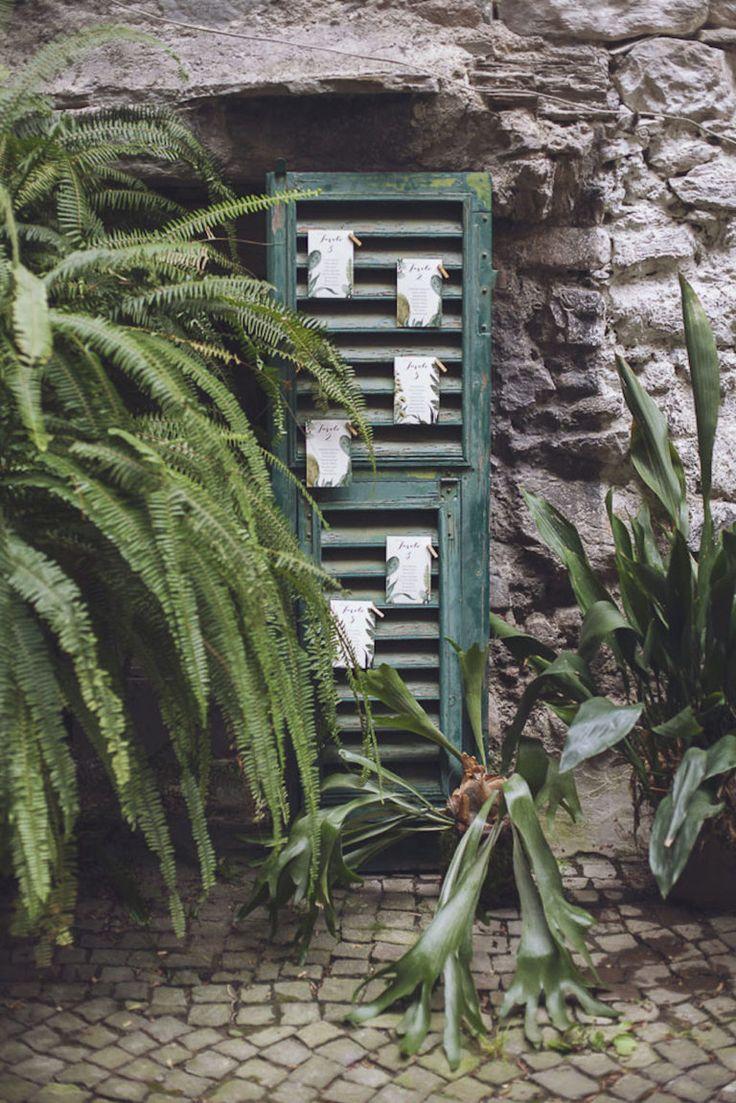 tableau de mariage botanico con persiana vintage