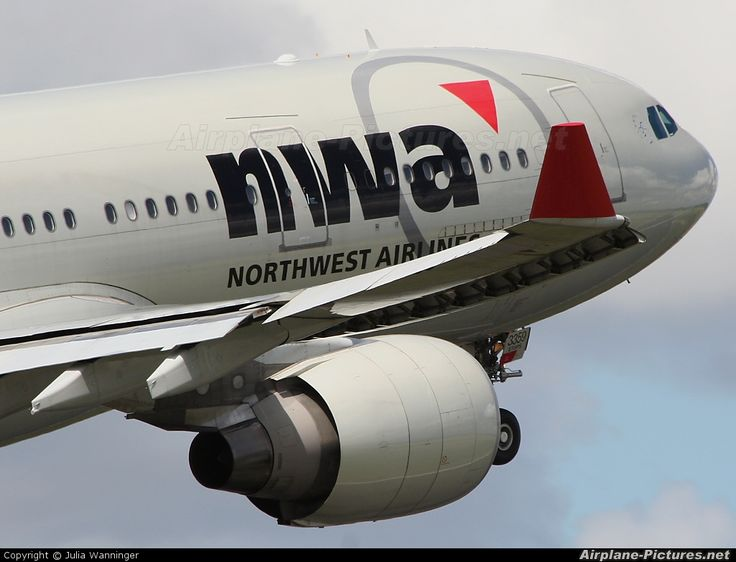 Northwest Airlines N859NW aircraft at Amsterdam - Schiphol photo