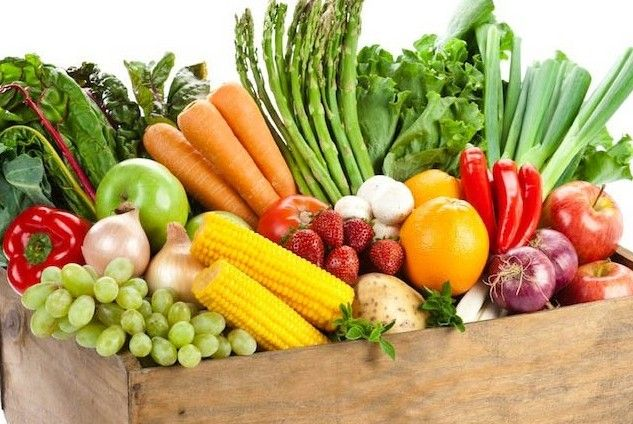 Slaka morötter, vattnig gurka och svarta bananer. Släng inte. Här tipsar vi om smartare förvaring av frukt och grönt som ofta lagras fel.