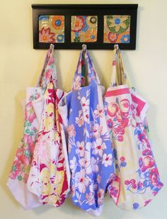 Vintage Tablecloth Grocery Bags  - I love vintage tablecloths and have a perfect one for this. Now if I can just find it