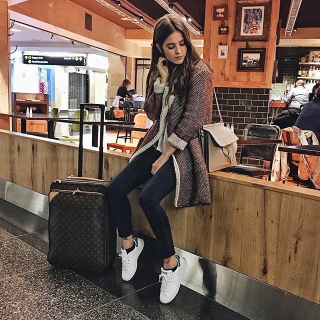 Paola Alberdi  I  www.blankitinerary.com  I  @blank_itinerary  //  wearing RES Denim jeans