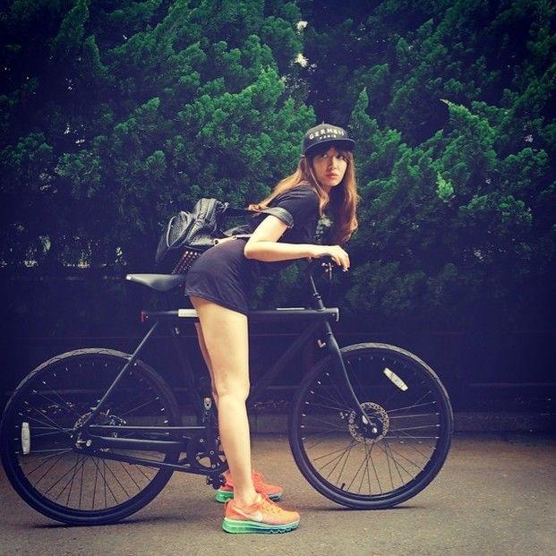 健康に良くエコな自転車は、最近女性からも支持を集めています。おしゃれな自転車もたくさん登場し、芸能人にも多くの自転車ファンが増えています。今回は、そんな自転車の魅力をお伝えします。 | Clipersは女性向けキュレーション×2マガジンです。