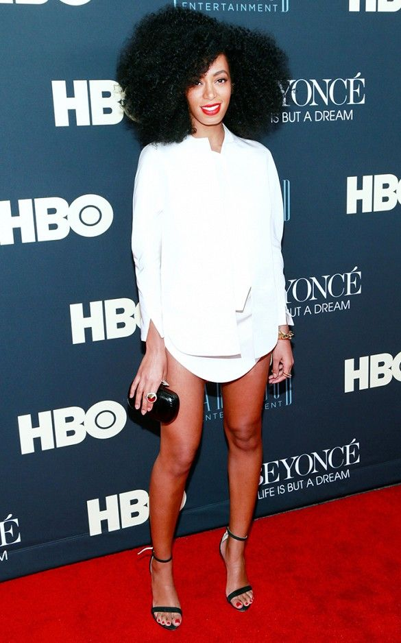 Loving Solange Knowles' crisp white shirtdress with a simple pair of black heels. // #CelebrityStyle #Fashion #WWSW