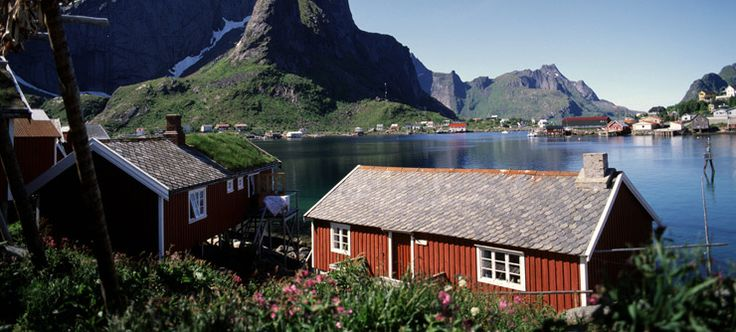 Something different: stay in a fisherman's cabin in Reine on the Lofoten #VisitNorway