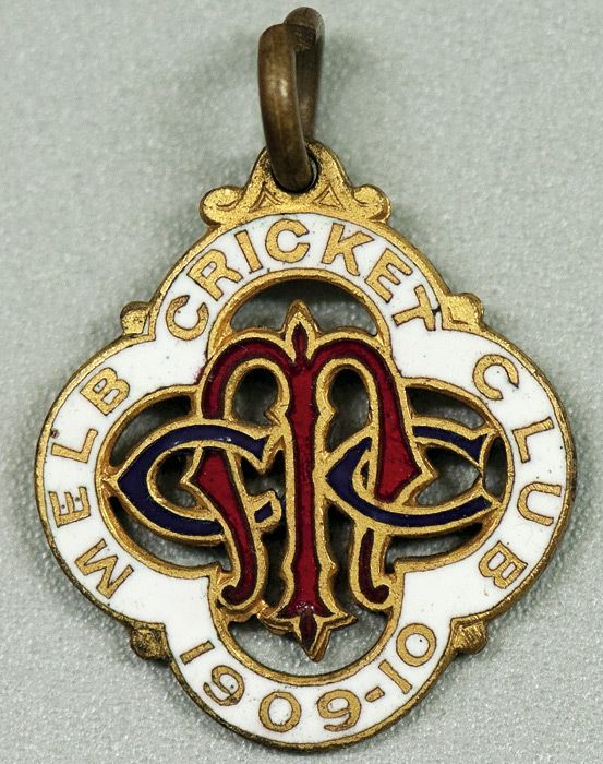 Melbourne Cricket Club, 1909-10 membership badge, made by… - Sporting - Cricket - Memorabilia - Carter's Price Guide to Antiques and Collectables