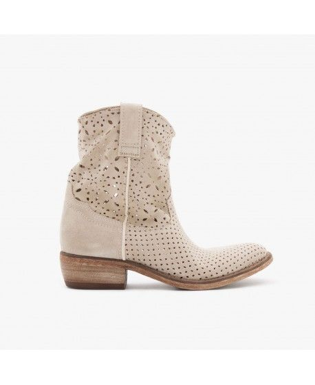 MEGAN / SUEDE PERFORATED / SAND
