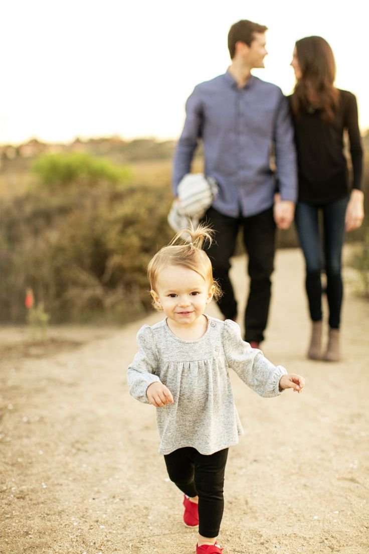 Focus on the kids! So sweet! LOVE! #family #photography