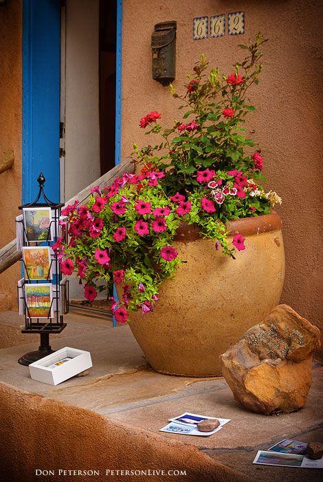 Santa Fe Art Gallery, Canyon Road, Santa Fe, New Mexico