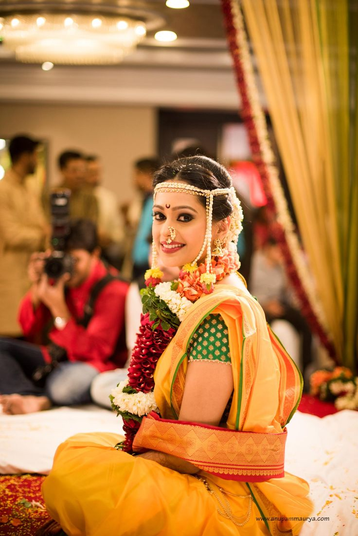 When the #TeleSerial stars #MugdhaChaphekar and #RavishDesai tied the knot on 14th December in a typical #Marathi style #wedding, all eyes were on the pretty Bride who looked resplendent in a #traditional yellow #nauvarisaree teamed with fresh green brocade blouse and the typical chandra bindu and the traditional nath. #Shatika wishes this newly wed couple a blissful marriage!