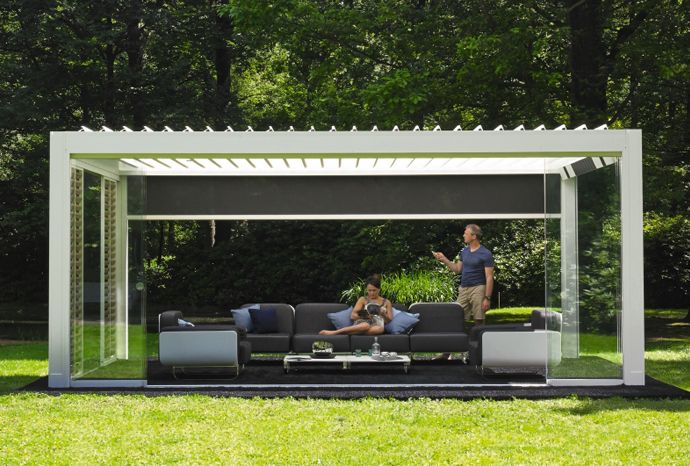 Pergola bioclimatique à lames orientables   Renson Outdoor   #basileek #ombre #jardin