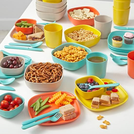 Made from eco-friendly bamboo, the stackable Gusto small bowls are the perfect mealtime companions. Not only are they available in a variety of colors, but they're also free of BPA, PVC, and Phthalates. What's not to love about them?