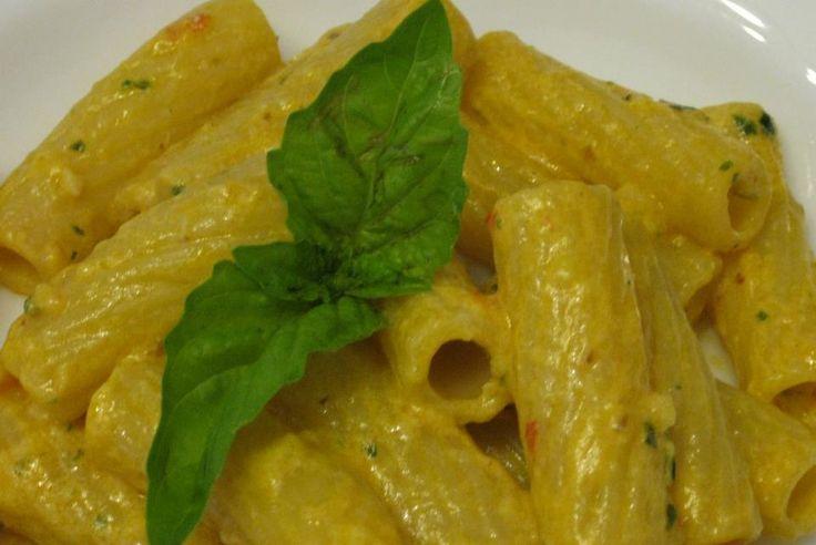 Tortiglioni con pesto alla trapanese http://blog.giallozafferano.it/lericettedinapoli1/tortiglioni-con-pesto-alla-trapanese/