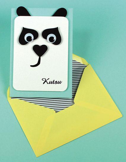 Panda-aiheinen kutsukortti on toteutettu kuvioleikkureiden avulla. Tarvikkeet ja ideat Sinellistä!