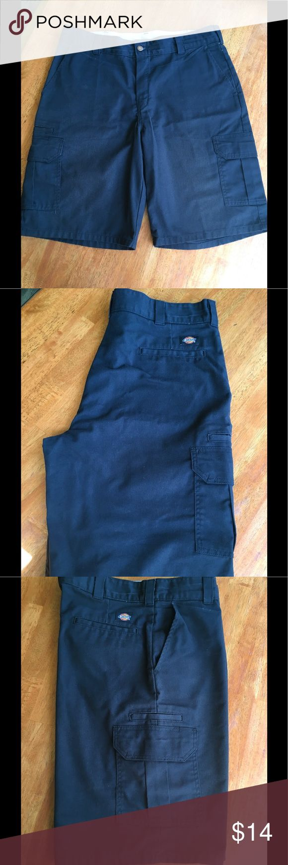 Men's Navy Dickies Cargo Shorts Gently used, but still in great condition Dickies Shorts Cargo
