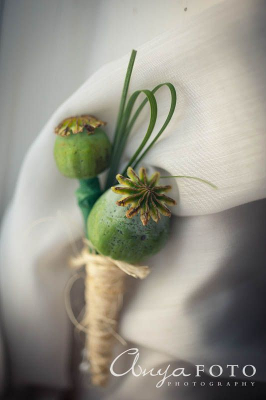 anyafoto.com, wedding boutonnieres, green boutonnieres