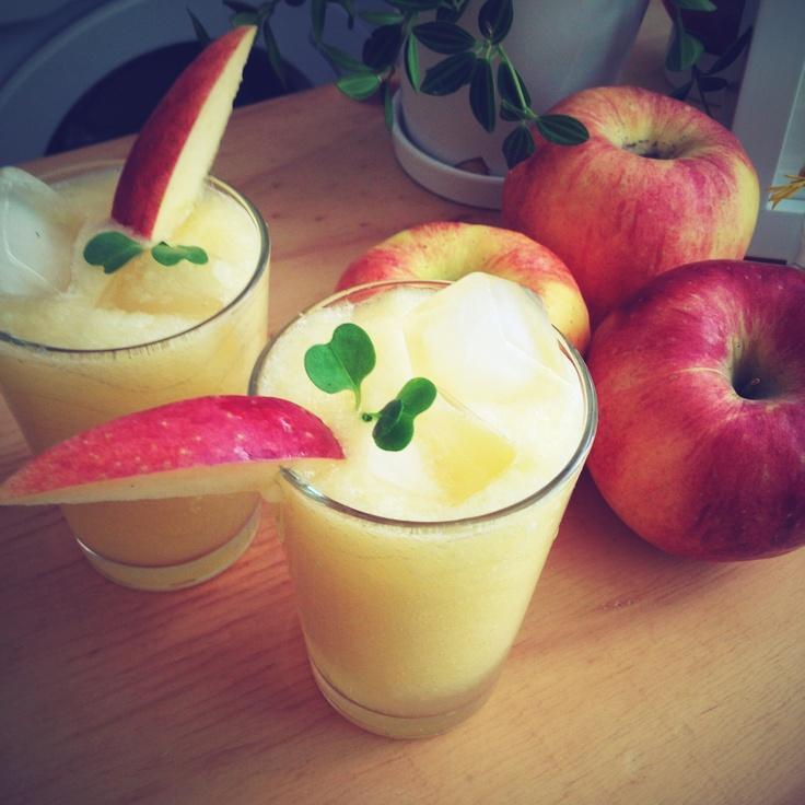 Homemade apple juice by HoniBee.