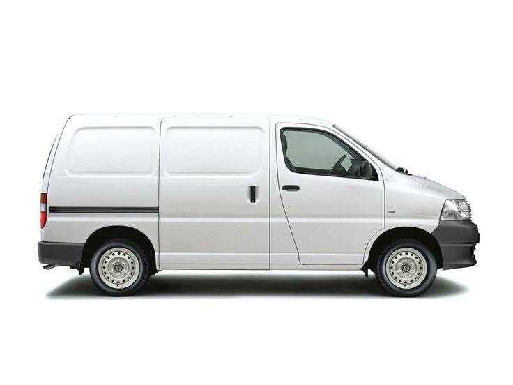 Transporte terrestre: furgoneta de carga. Fernando Roncero
