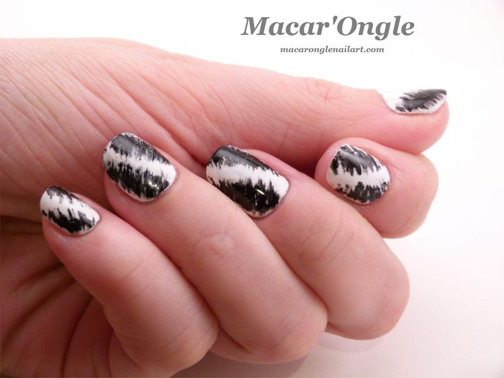 Macar'Ongle - 40 great nail art ideas – Black and white + fan brush