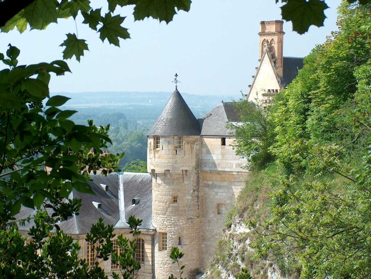 57 best la roche guyon images on pinterest castles chateaus and forts. Black Bedroom Furniture Sets. Home Design Ideas