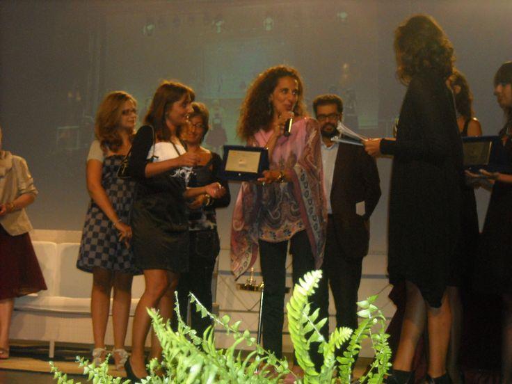Premio letterario per l'infanzia Chimirri - Isa Voi premiata da Caterina Balivo