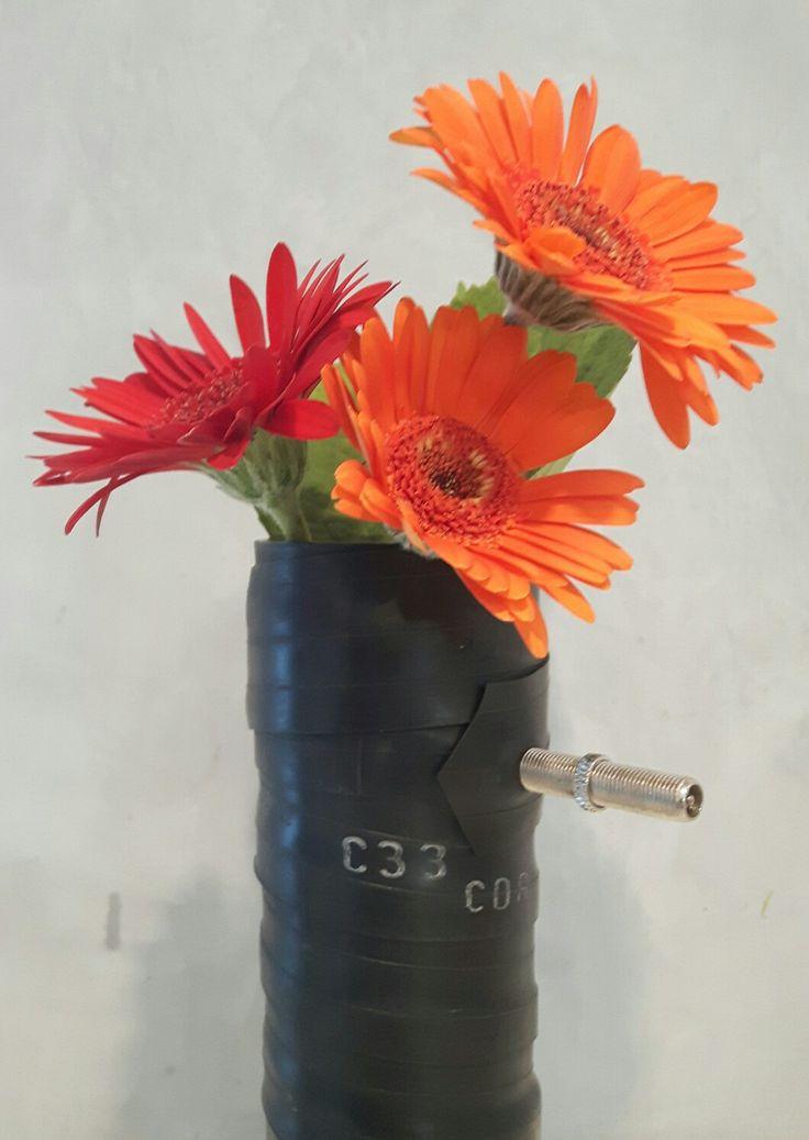 Amazing Vase aus K lschglas und Fahrradschlauch Design A Style by Anke Kauermann
