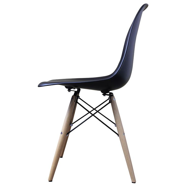 Replica of the 1951 Eames side chair by Ray and Charles Eames. Timeless design and supremely comfortable construction.